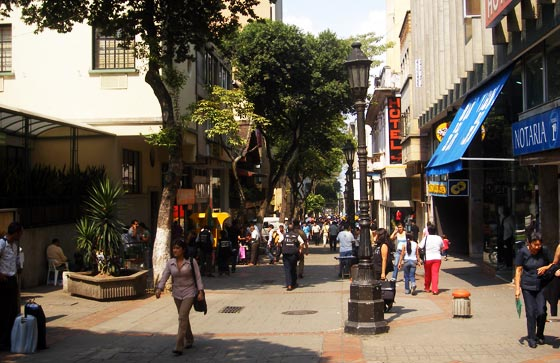Pedestrianised shopping street, Bucaramanga