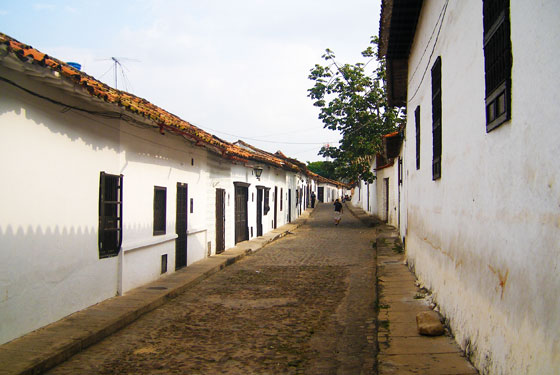 A typical street lined by whitewashed colonial houses, Giron