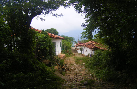 Entering Guane, Santander from the Camino Real