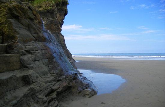 Ladrilleros beach