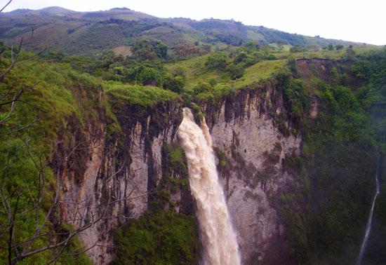 Salto de Bordones near San Agustin