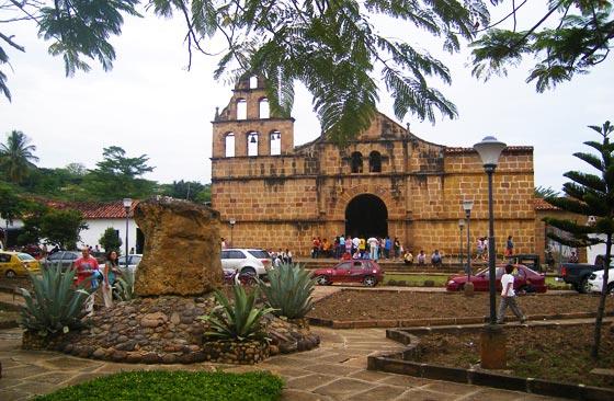 Church on main plaza of Guane