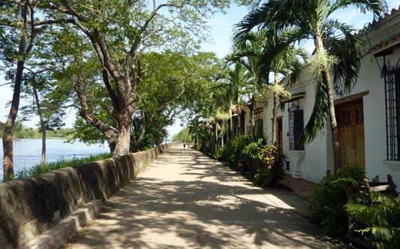 Riverside street, Mompox, Colombia